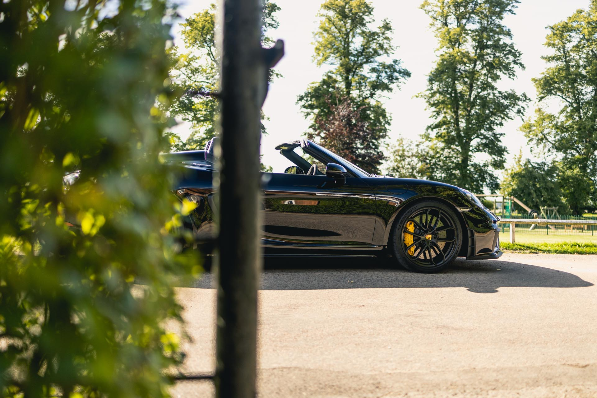 718-boxster-spyder-in-countryside