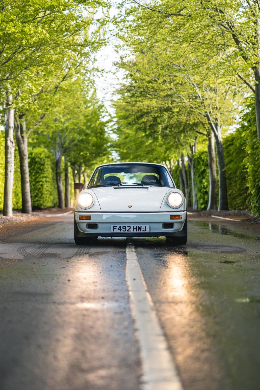 911 3.2 carrera on road