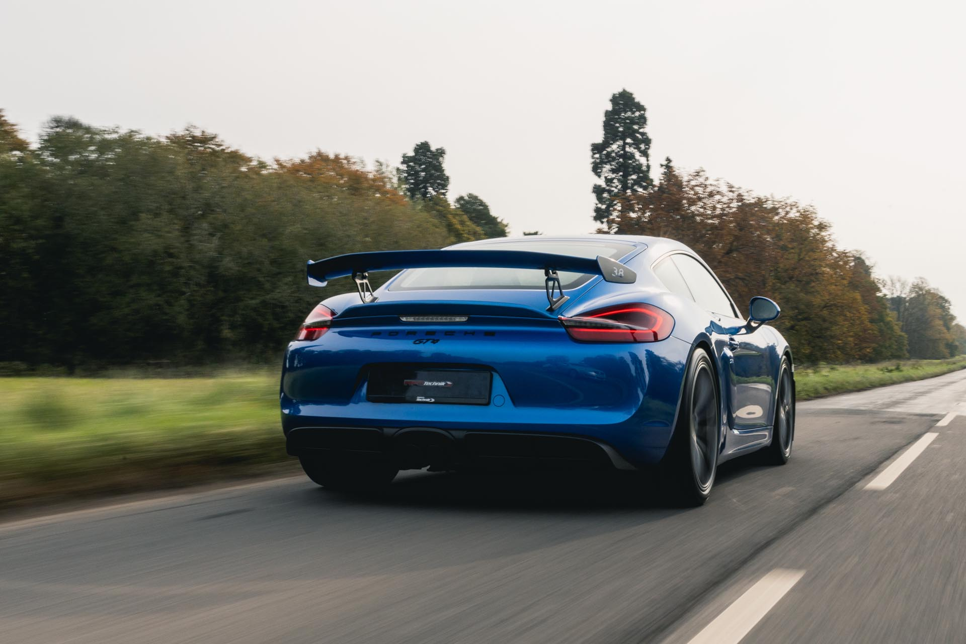 981-gt4-on-road