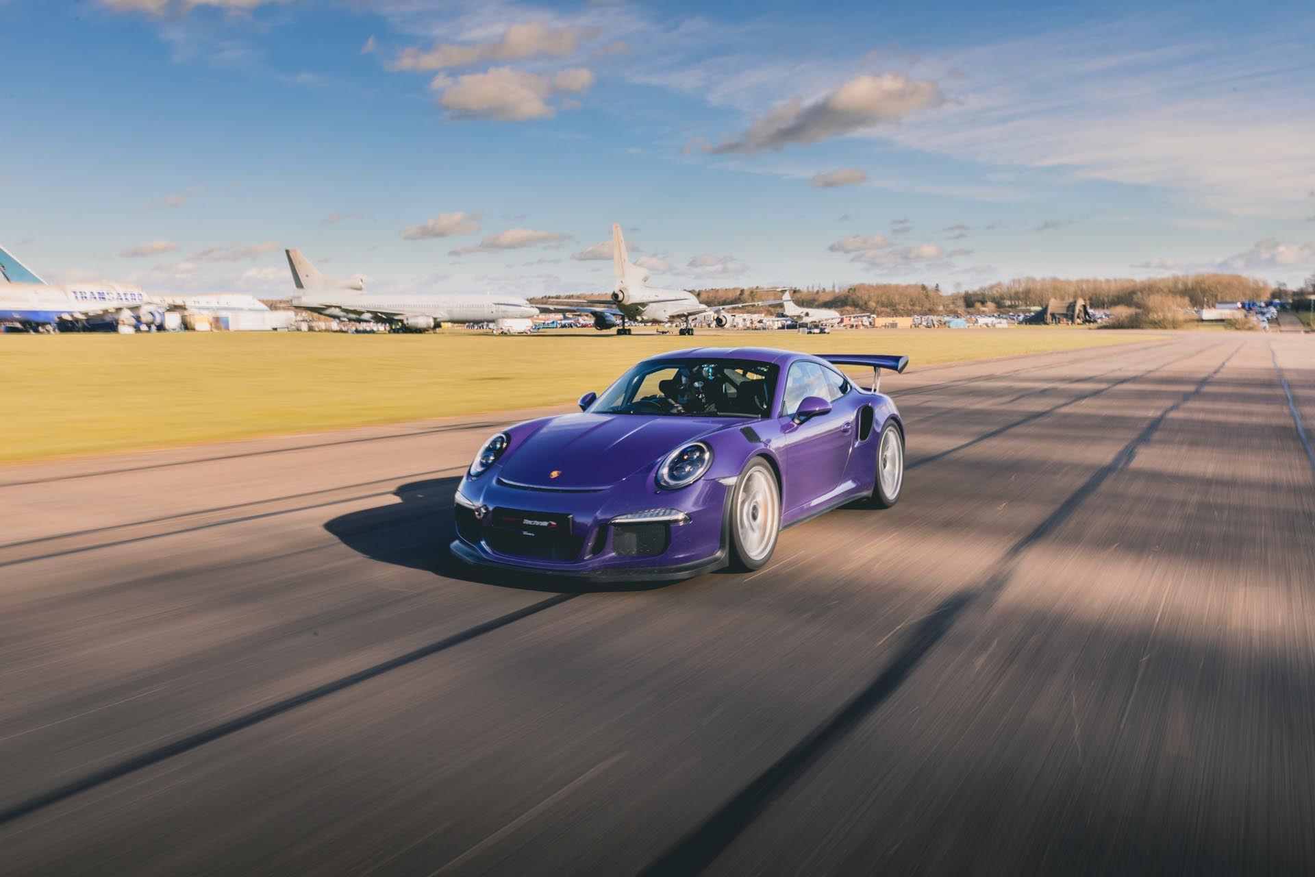 991.1 gt3rs manthey racing on track