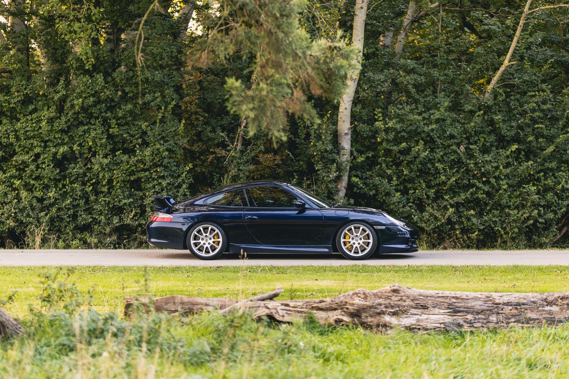 996.2-gt3-in-countryside