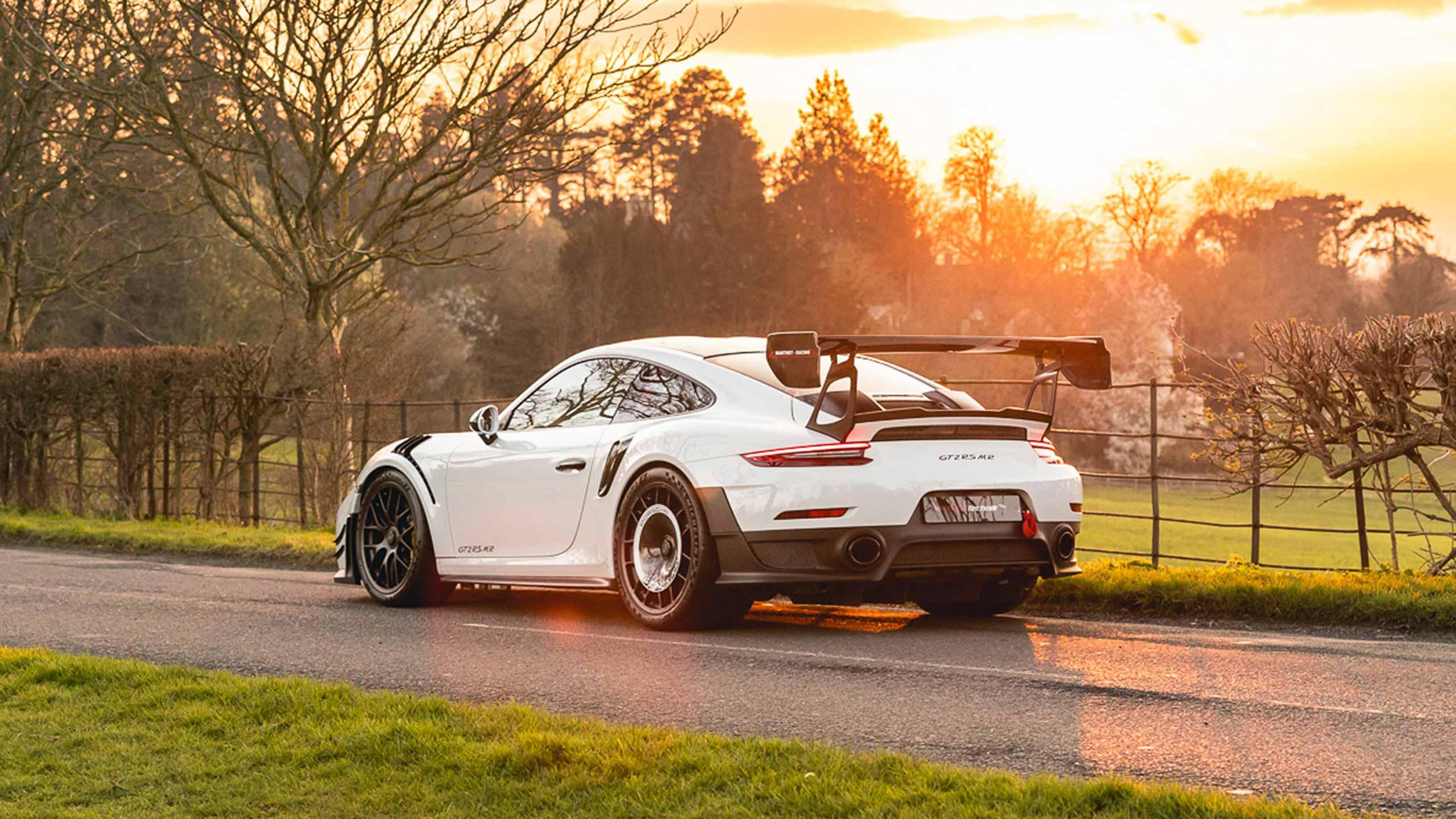GT2-RS-MR-White_header
