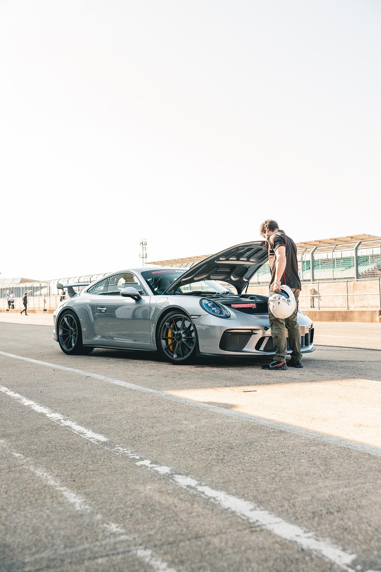 GT3-Silverstone-Pitlane