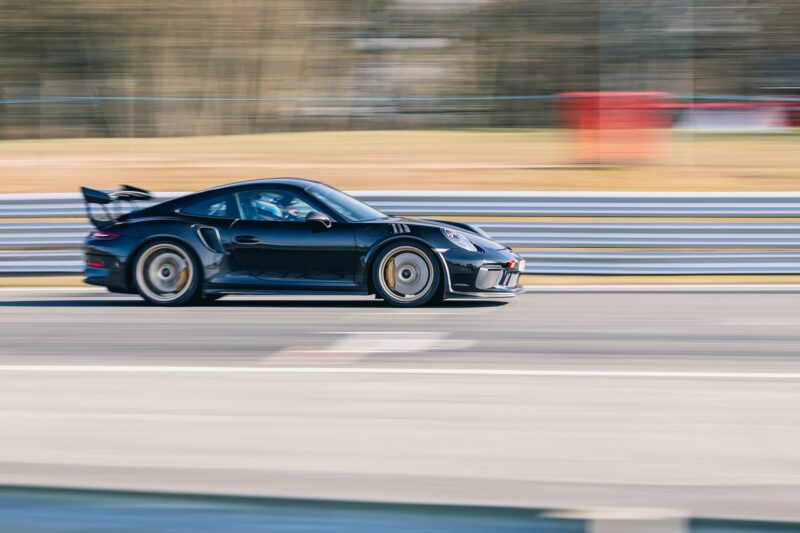 gt3rs-on-track-driving-fast