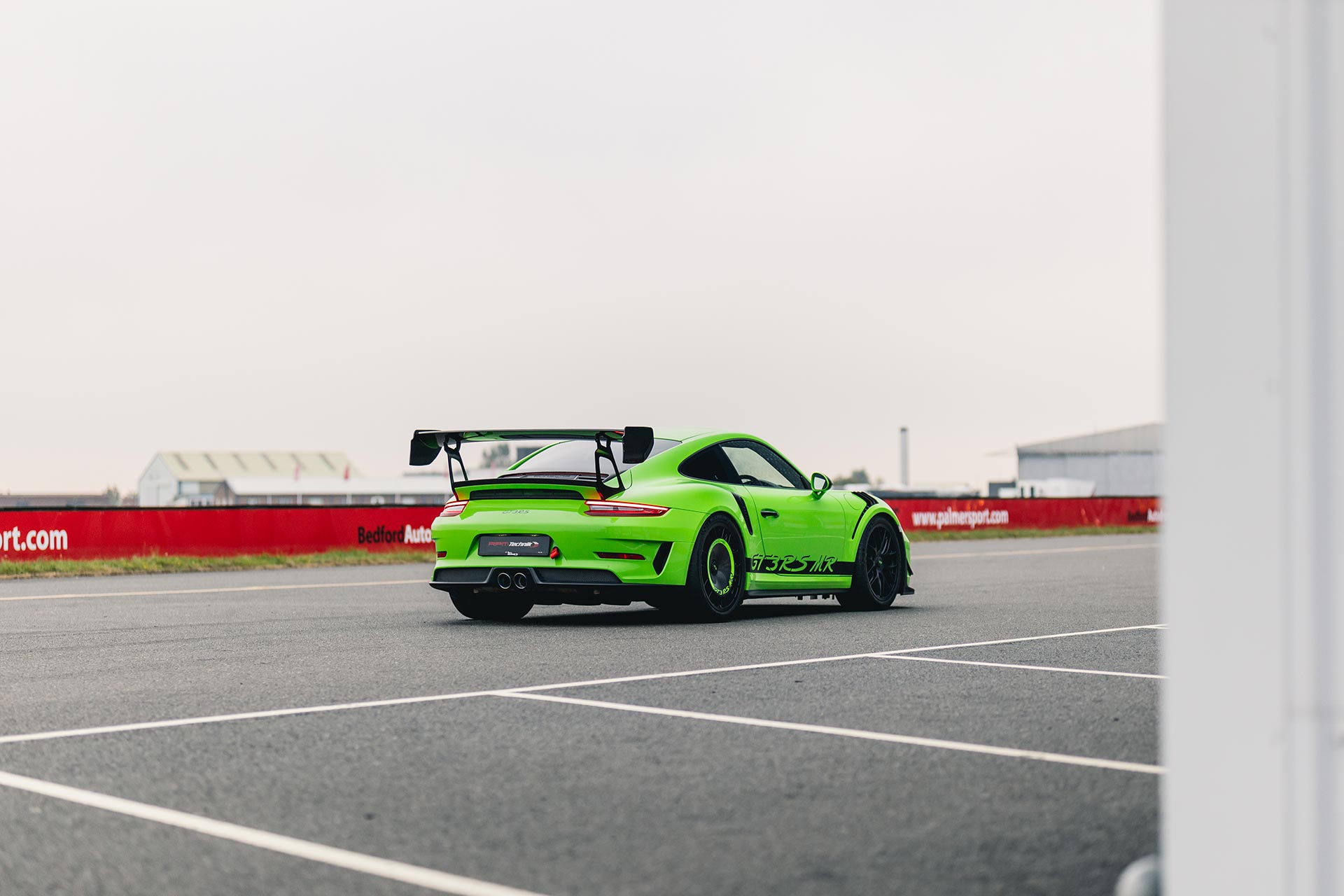 mathey-racing-gt3rs-bedford